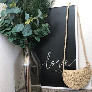 Handbags - NWT Beautiful ivory straw bag crossbody purse